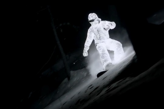 LED Surfer Lights Up The Slopes Of Tignes