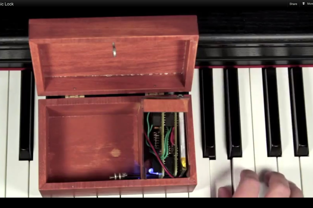 Build Your Own Musical Lockbox [Instructables How-To]