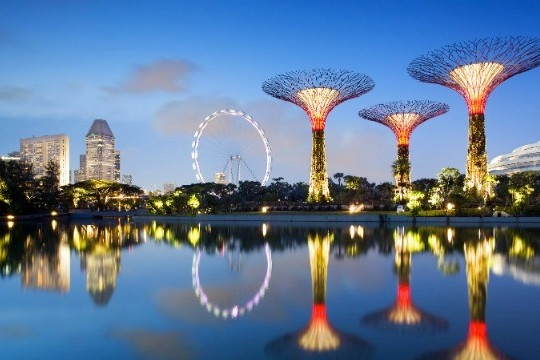 "Singapore's Gardens By The Bay Transform It Into A ""City In A Garden"""