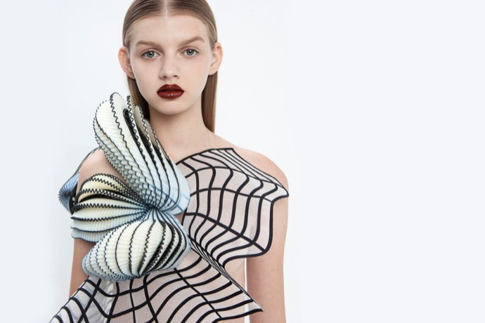 Meet The Fashion Designer Who's 3D Printing Impossible Clothes