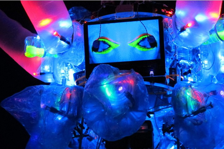 Shih Chieh Huang Turns Trash Into Animatronic Sea Creatures