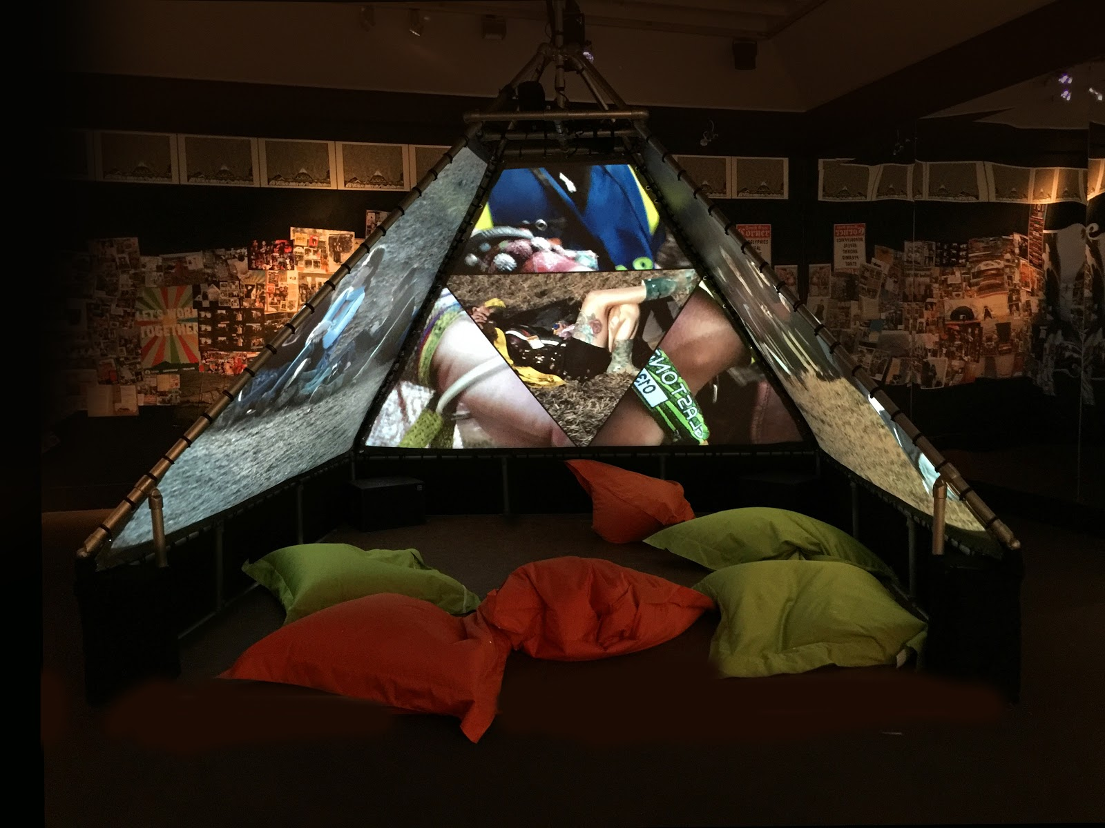 Glastonbury Footage Forms a Video Sculpture at London's V&A