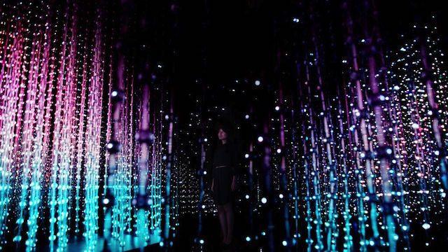 Enter A Real Life Matrix In Teamlab S Crystal Universe