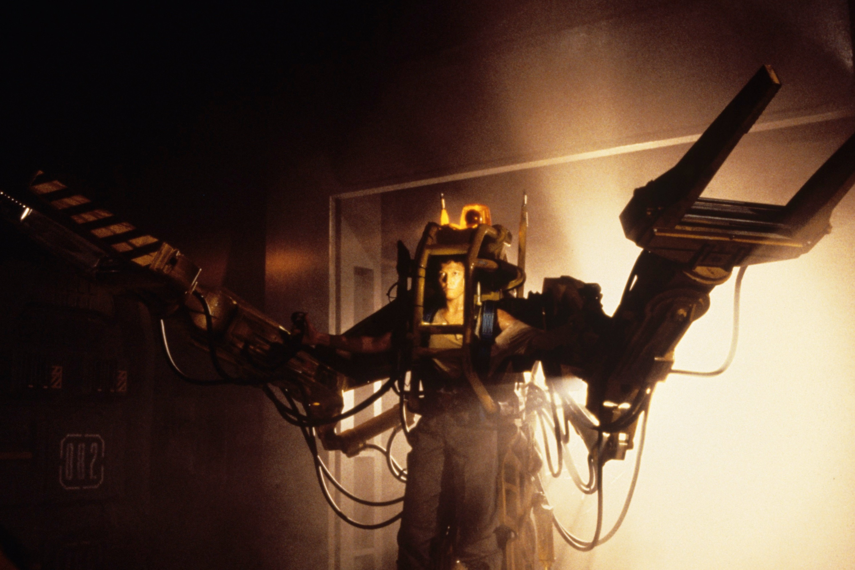 [Exclusive] 30 Years After 'Aliens,' James Cameron Looks Back on the Power Loader